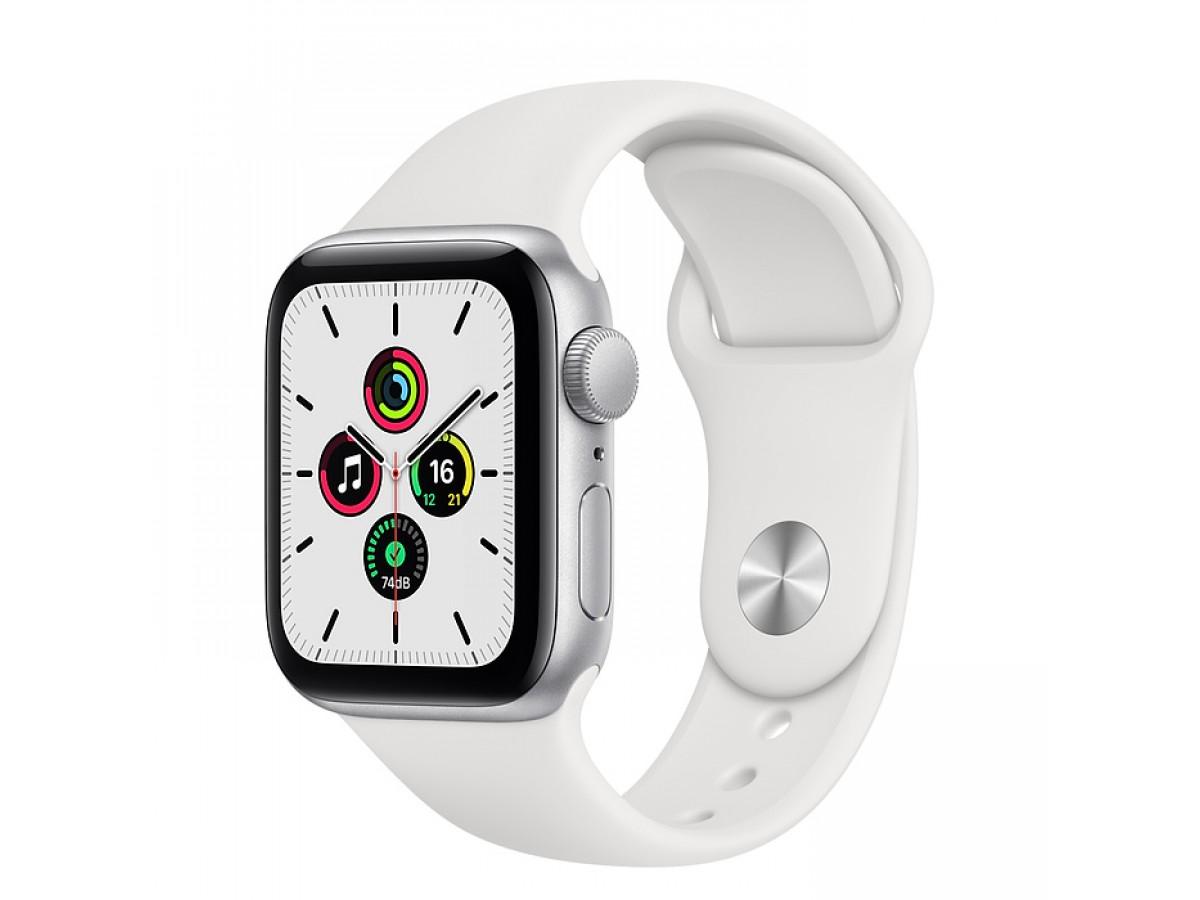 Apple Watch SE, 44 мм, корпус из алюминия серебристого цвета, спортивный ремешок белого цвета в Тюмени
