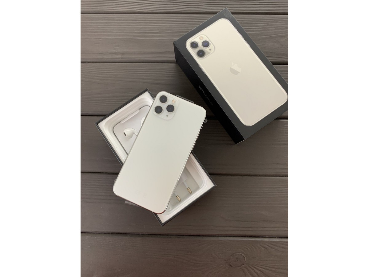 Apple iPhone 11 Pro Max 256gb Silver (новый) в Тюмени