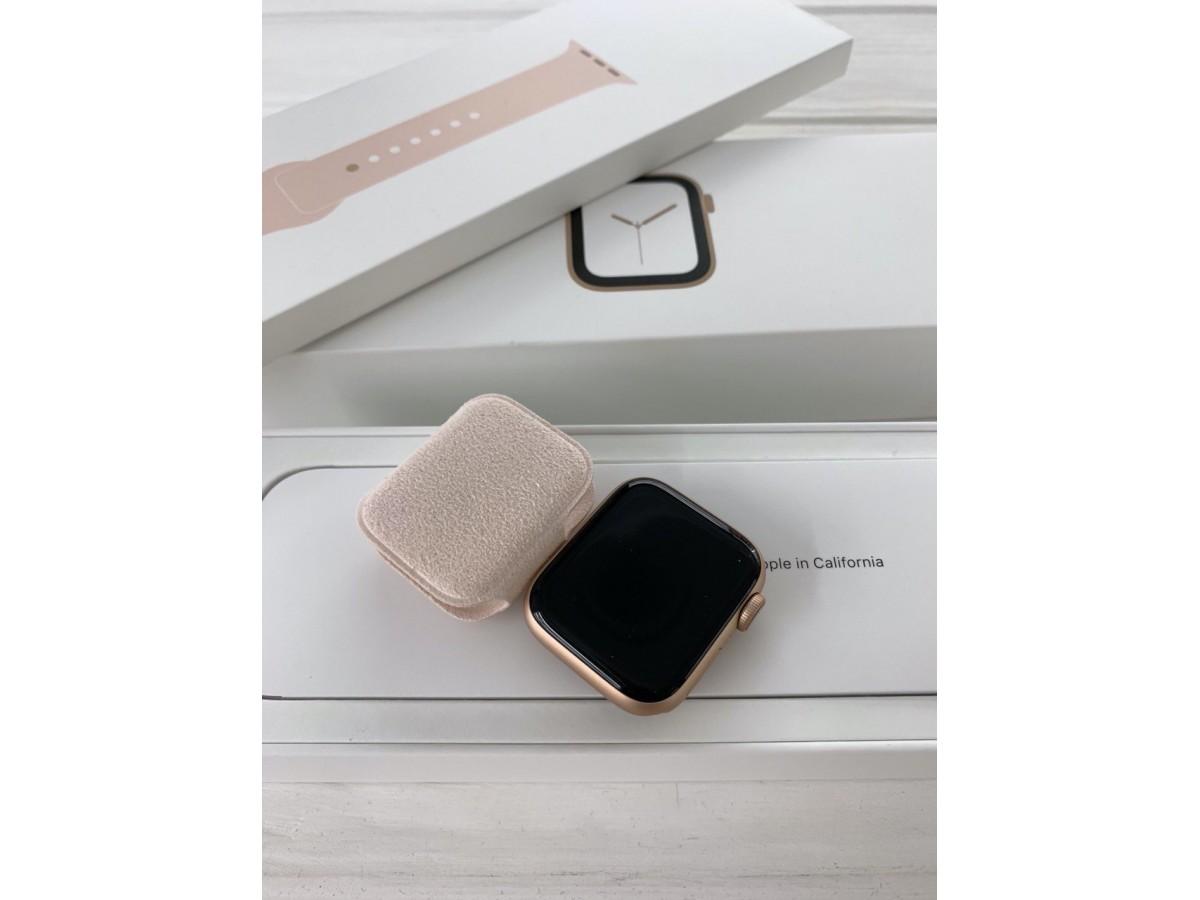Apple Watch Series 4 40mm Gold в Тюмени