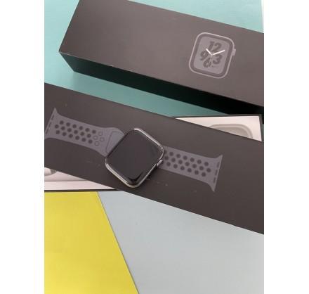 Apple Watch Series 4 44mm Nike+ Space Gray