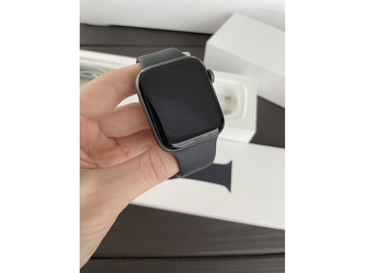 Apple Watch Series 5 44mm Space Gray в Тюмени