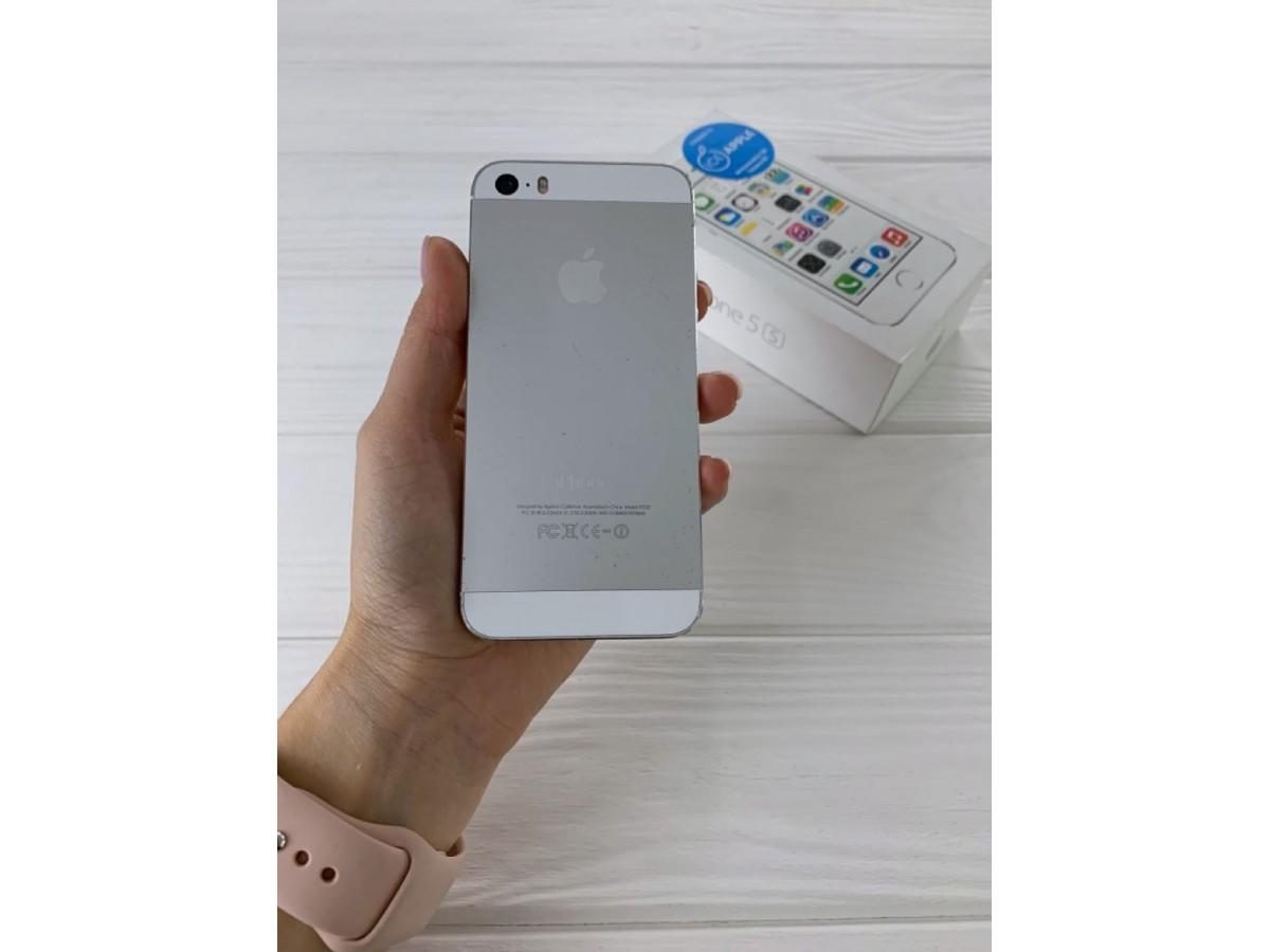 iPhone 5S 16gb Silver в Тюмени