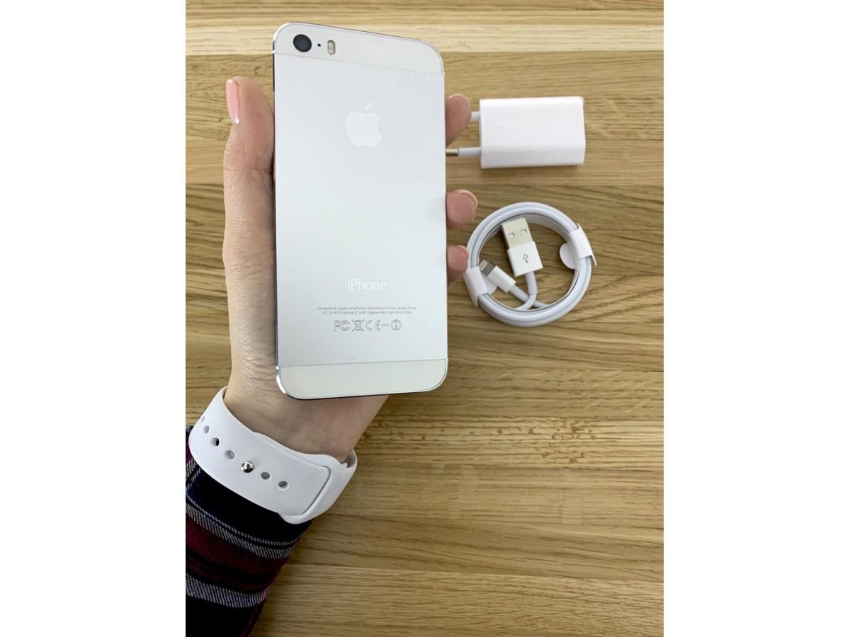 Apple iPhone 5S 16gb Silver в Тюмени