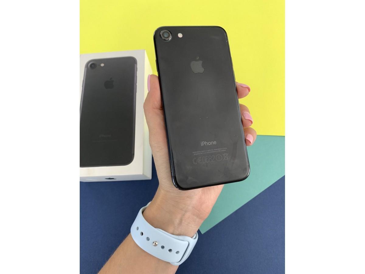 Apple iPhone 7 128gb Black в Тюмени
