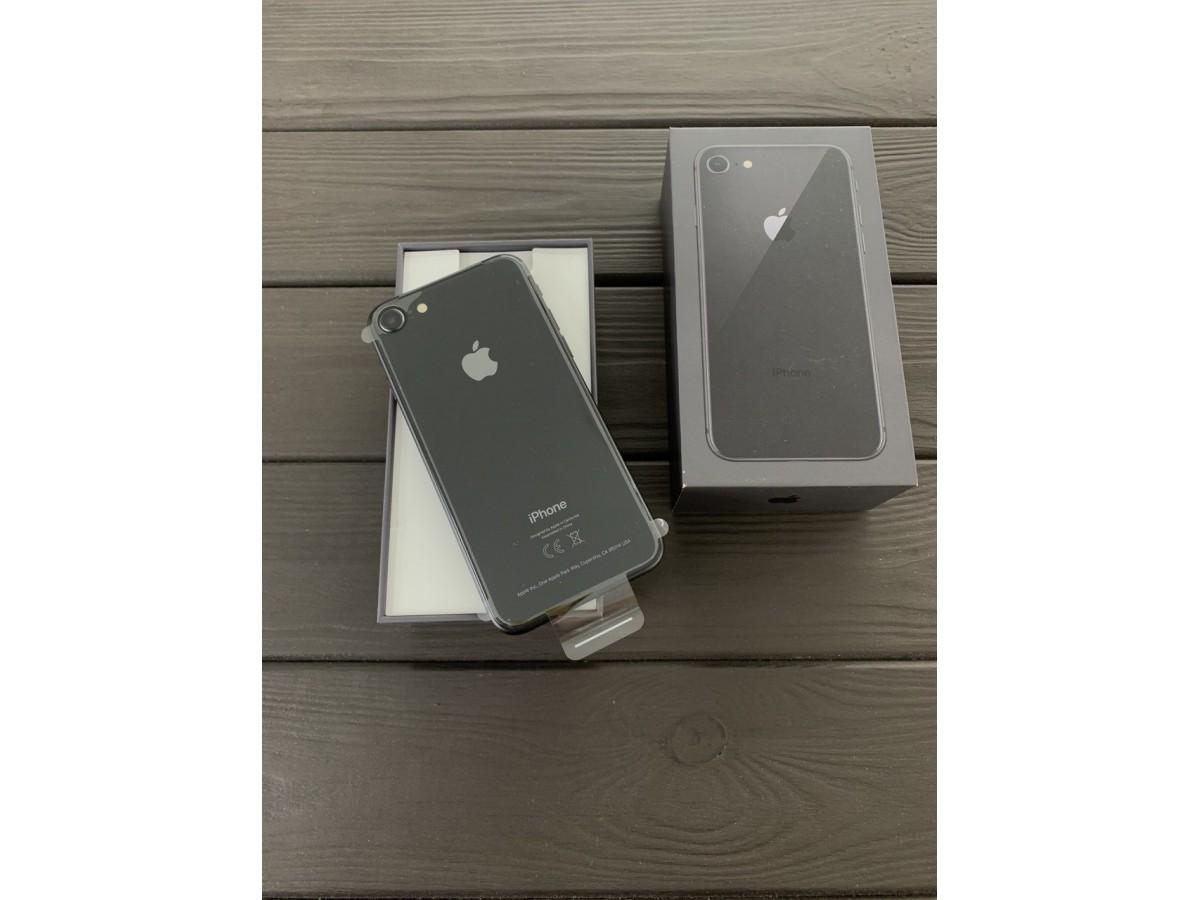 Apple iPhone 8 64gb Space Gray  (новый) в Тюмени