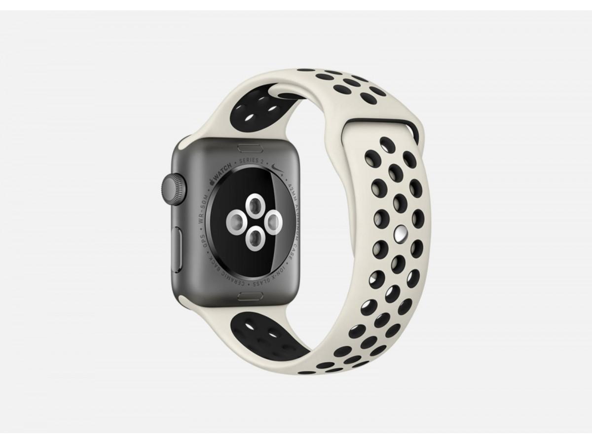 Силиконовый ремешок Apple Watch Nike 42/44мм бежевый в Тюмени